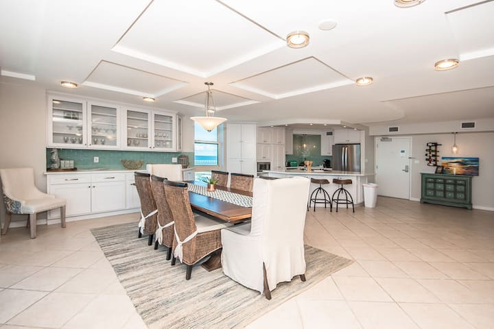 Sabine Yacht Club, 3 Bedroom- Captains Delights