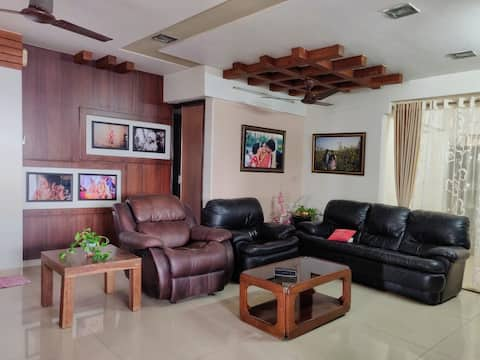 cozy room +a small balcony+a great view | Dadar E