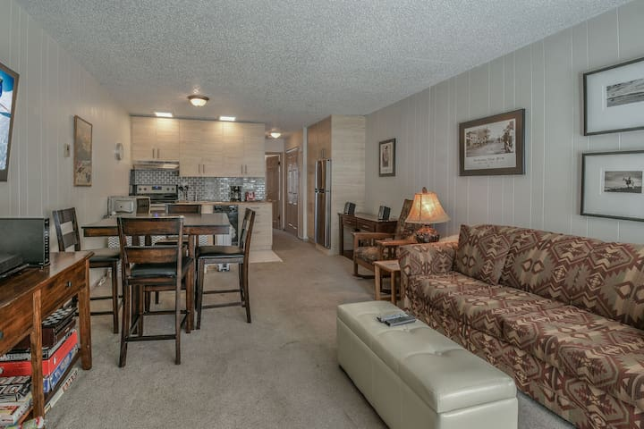 Key Condo 2928A is located walking distance to Mountain Base and now a pet friendly property