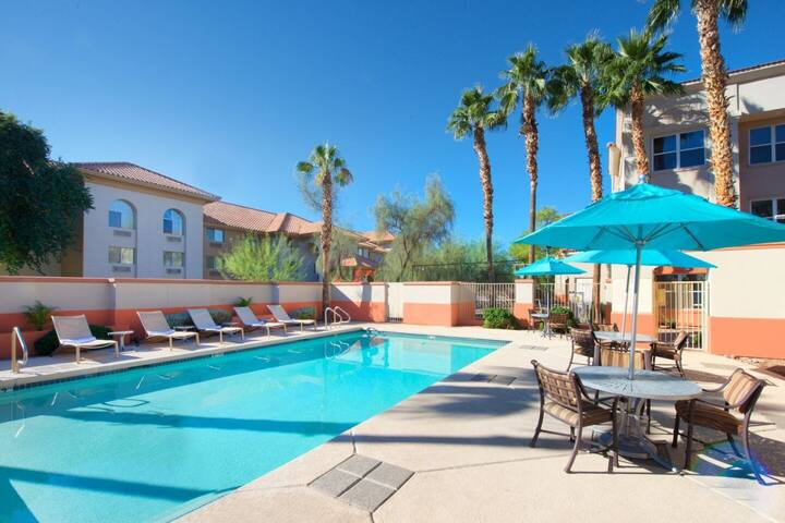 Family Getaway! Three 2BR Units, Spa, Kitchen,Pool