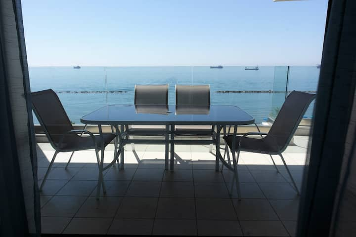 Luxury front sea view 2 bedroom apartment HORIZON