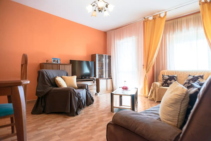 Habitación con ambiente familiar - Madrid - Lägenhet