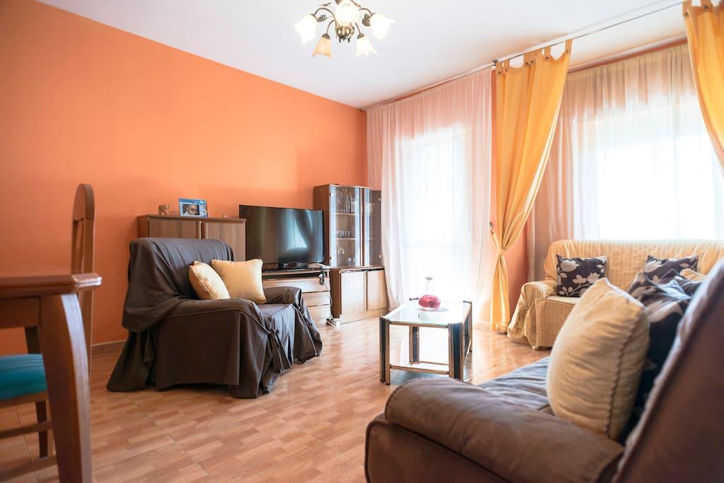 Habitaci n con ambiente familiar flats for rent in for Habitacion familiar madrid