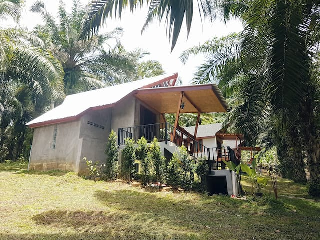 Baansuan Kaokram. FARM STAY!Stay with local people