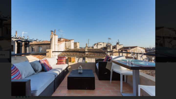 Magnifique 2 Pièces au coeur d'Aix et sa terrasse