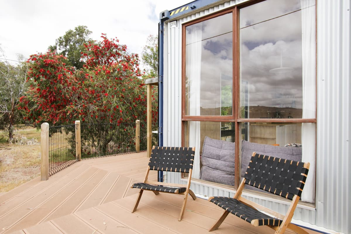 Deluxe Shipping Container Retreat