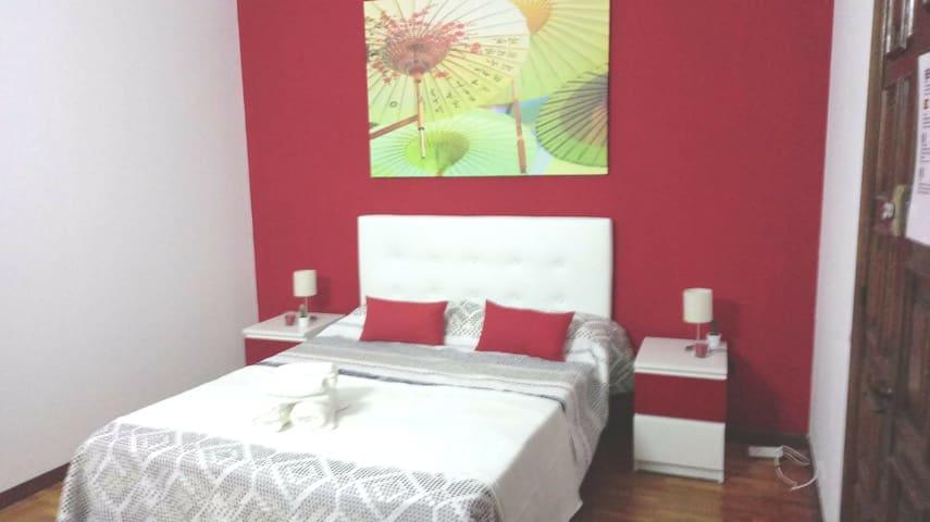 Make it pleasant - Plaza Cataluña - Red