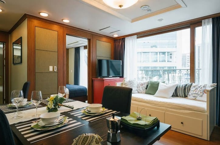★ BR' Suite A @ Central MYEONGDONG! ★ 75% OFF!