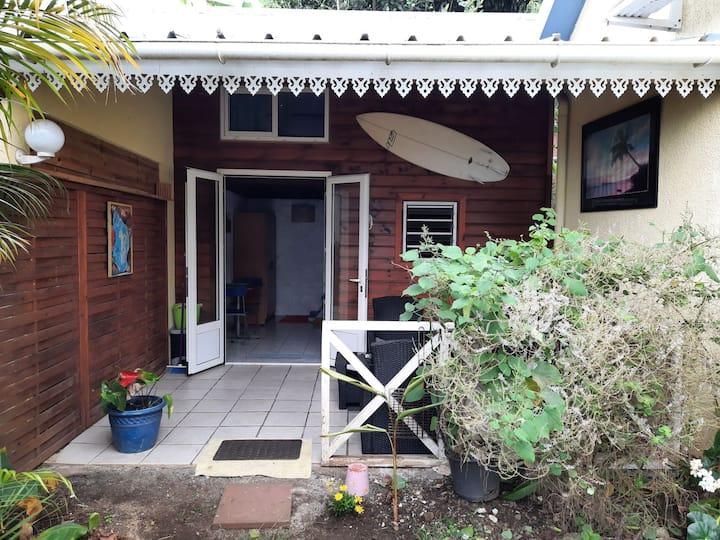 Bungalow avec jardinet