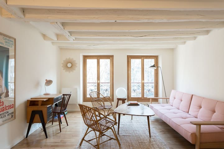 Comfortable studio near Notre Dame de Paris Church