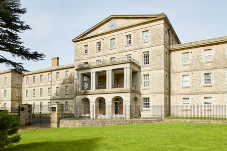 Stunning Grade II listed Apartment in Maidstone - Maidstone - Leilighet