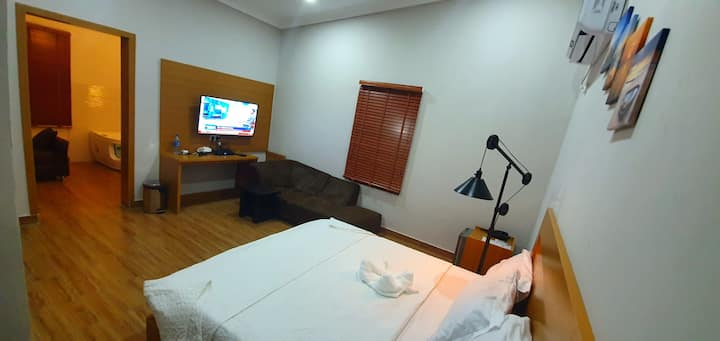 Taverna Lounge - Platinum Room