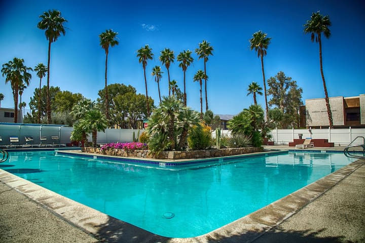 Best luxury value in the area. With Apple TV! - Palm Desert - Condominium