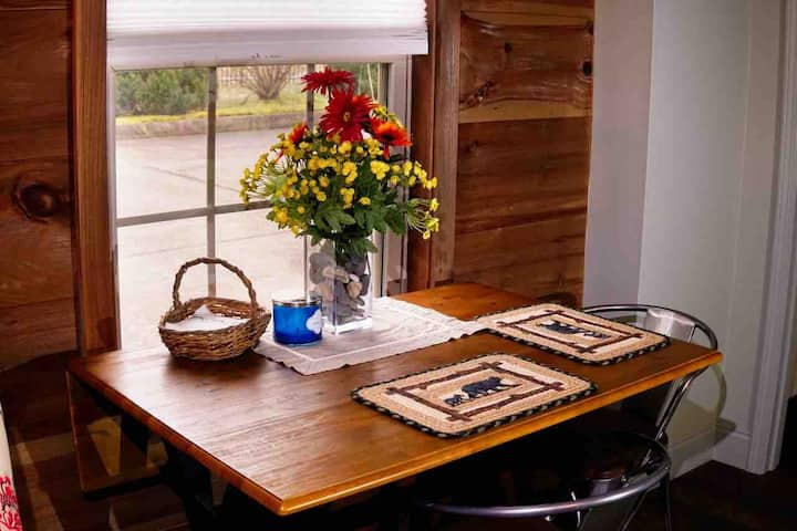 Smoky Mountain View Suite at Cades Cove Landing101