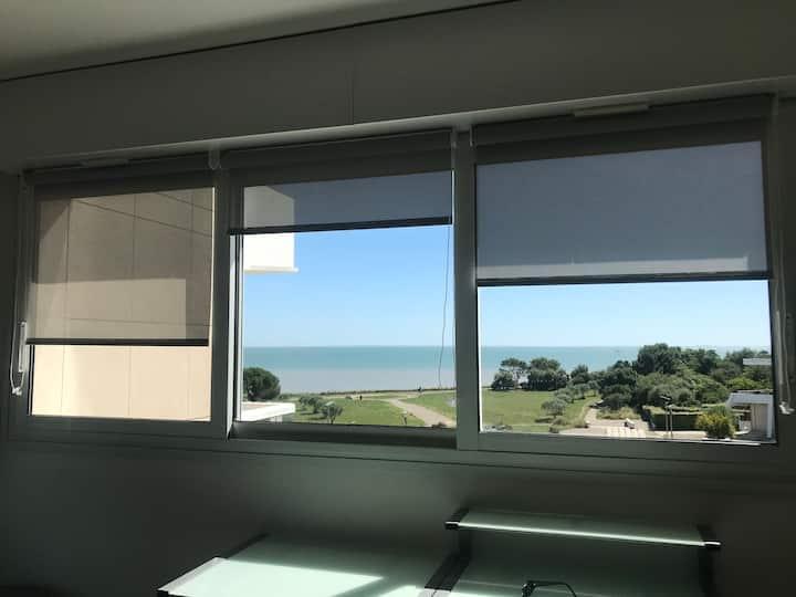 Charmant studio 27 m2 La Rochelle jolie vue mer