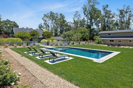 Gorgeous Wine Country Home w/ Pool, Hot Tub & Barn