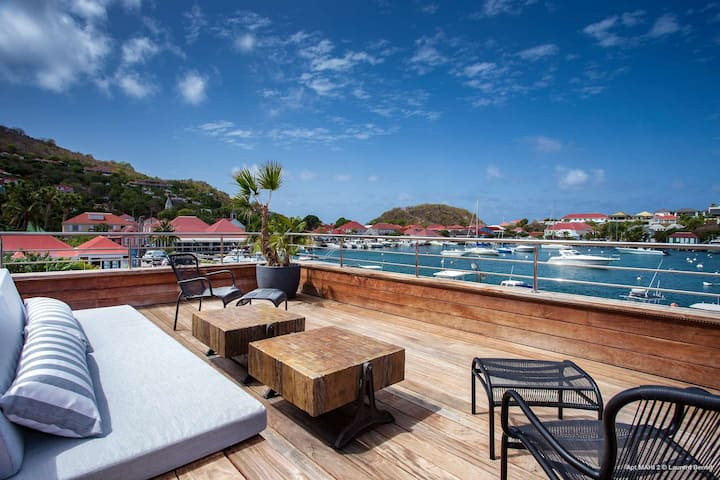 Rive Gauche - Located in the heart of Gustavia