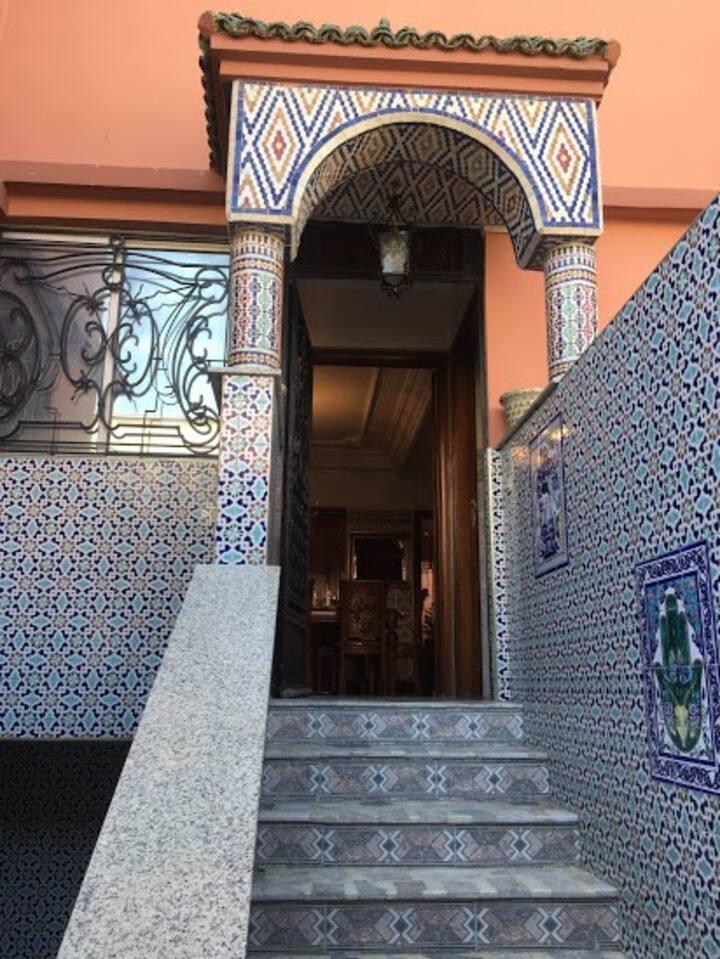 1 étage à louer ds villa Casablanca