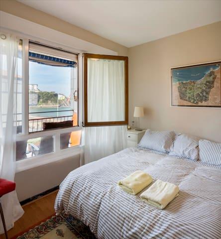 Bakio / Gaztulagatxe (seafront apartment)