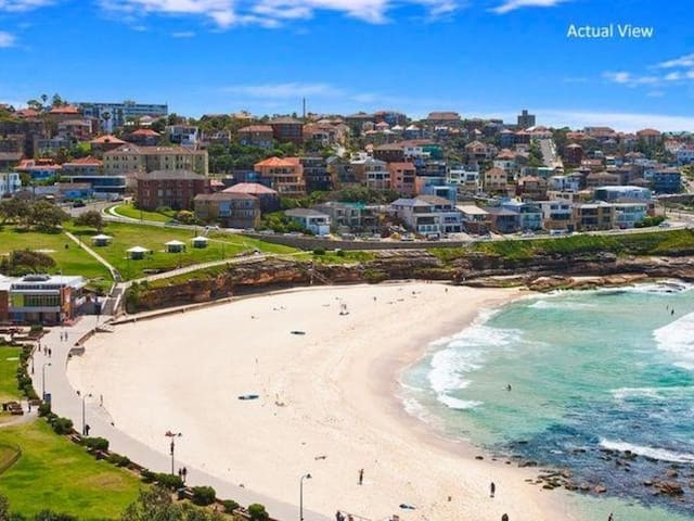 Modern Beachside apartment in beautiful Bronte