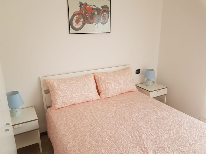 Private room and bathroom 2km from BGY airport