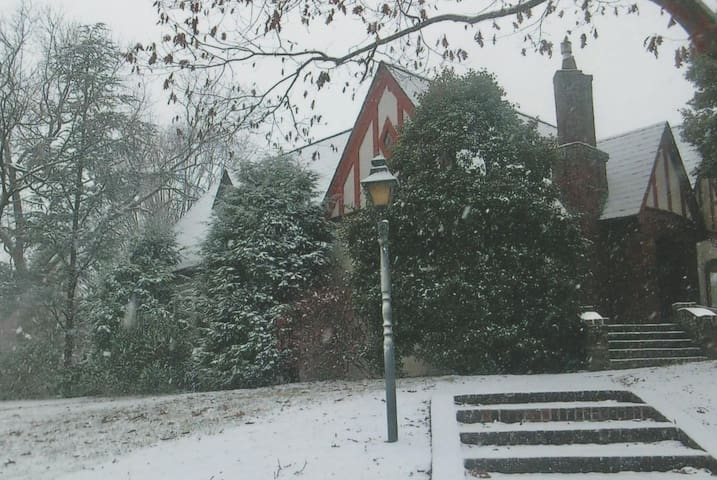 Snow at Holly House.