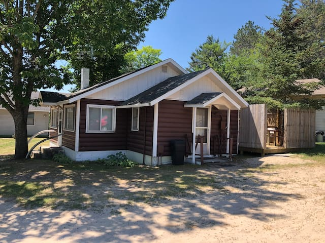 Two Bedroom Guest Cabin/Cottage