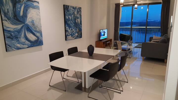 Teega Suites 1-Bedroom, Iconic Waterfront Living