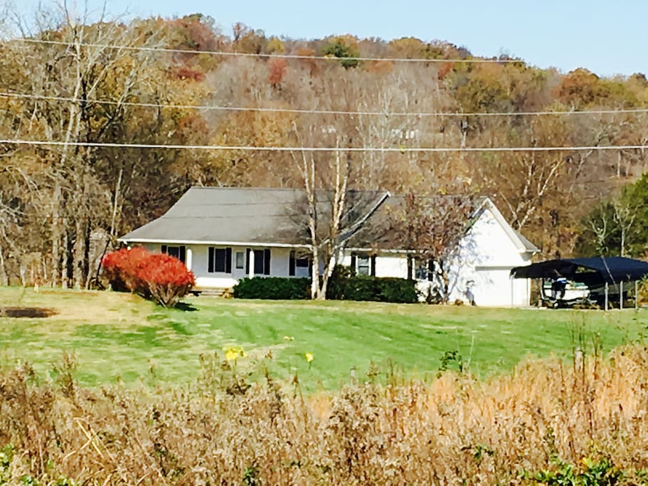 whispering lake cottage houses for rent in cadiz kentucky united states