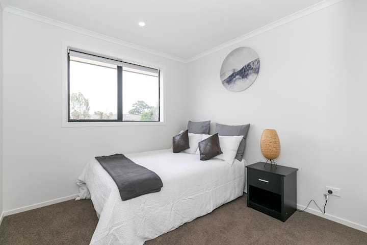 Brand New Apartment- Cozy Double Bed- Private Room