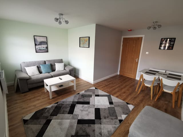 Modern Glasgow Green apartment