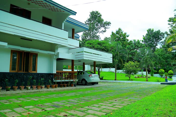 Zarahs Homestay  is a countryside homes in Kerala