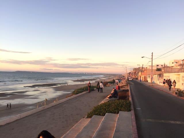 Sol, Arena y Mar!  en el PASEO COSTERO !*