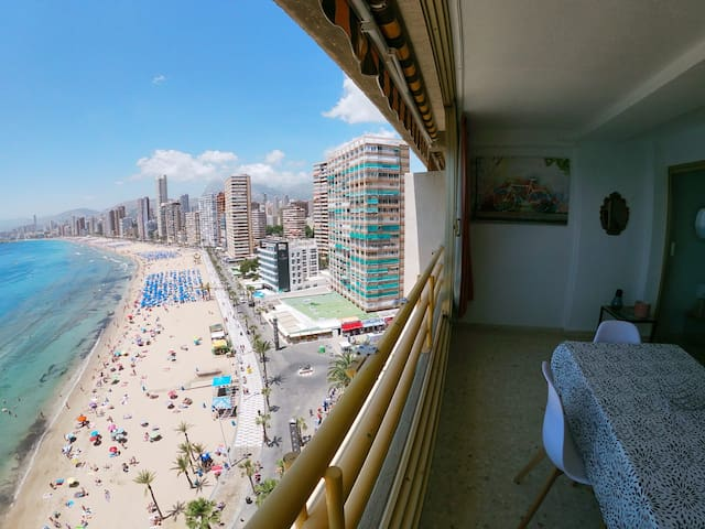 Benidorm appartement aan het levante strand dm12