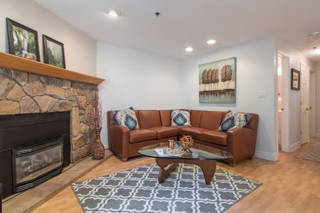 Charming 2BD in Vail | Ski & Hike! - Condominium