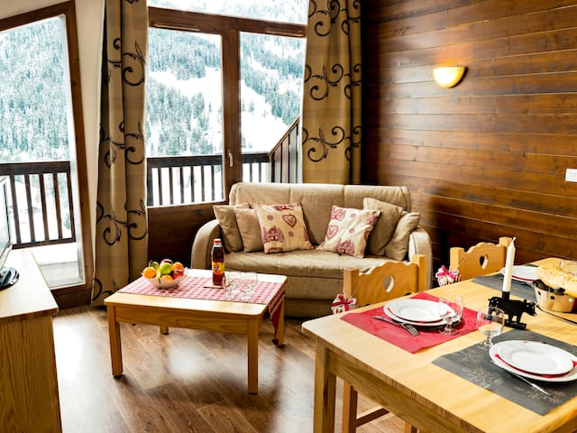 Cozy holiday apartment with amazing views, 500m from the ski-run