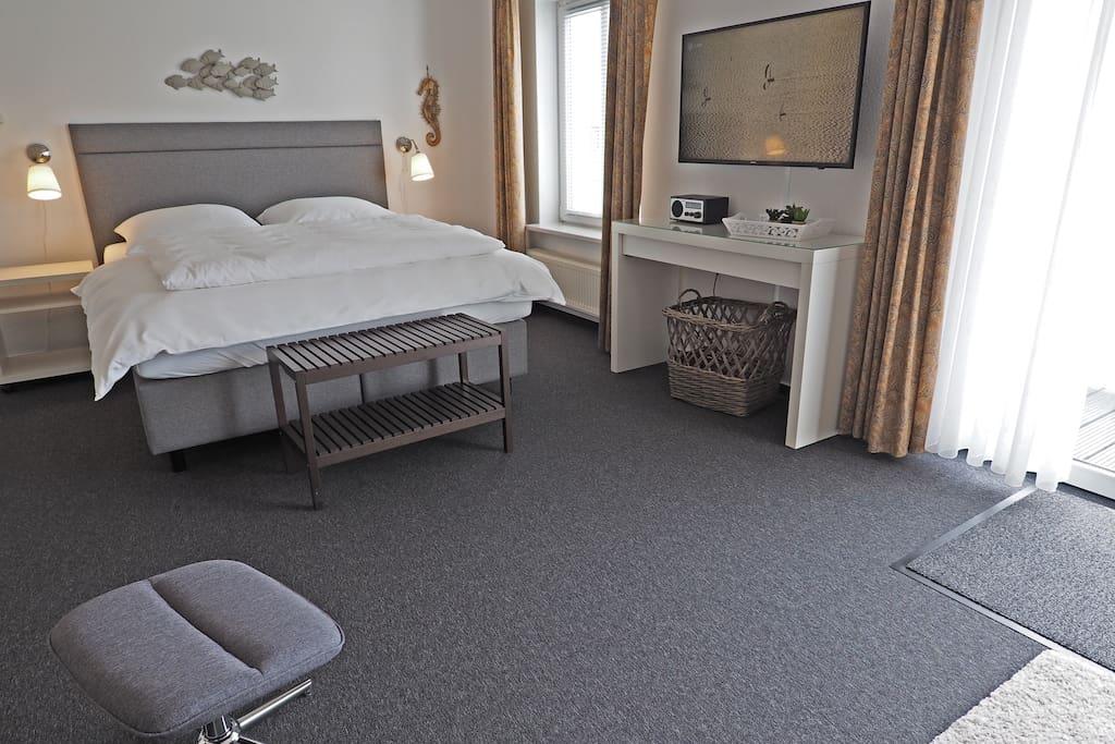 Wohn-/Schlafzimmer, 160x200cm Bett