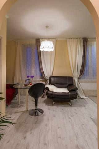 Атмосферная и творческая квартира! - Lobnya