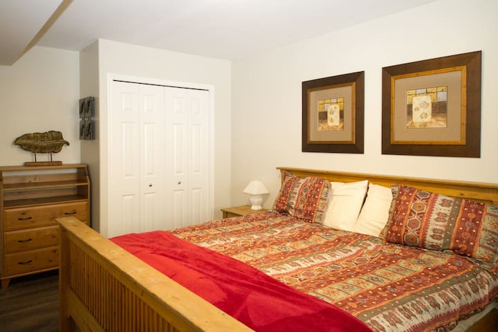 Snow Country Lodge - Private 2 Bedroom Suite