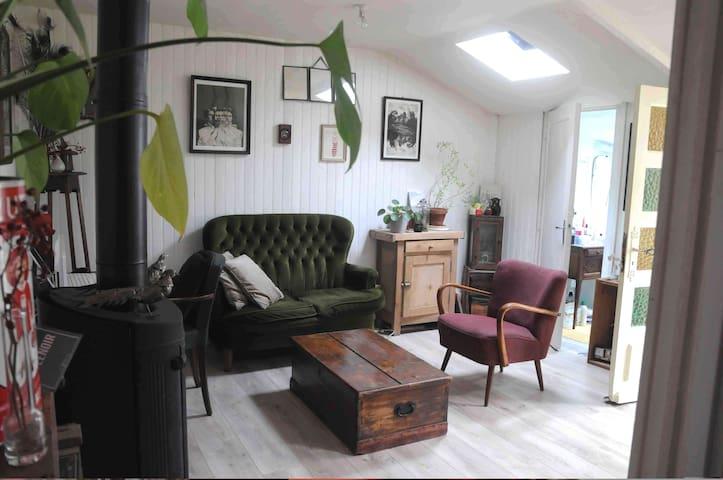 Charmante maisonnette déco rétro, avec courette - Rennes - House