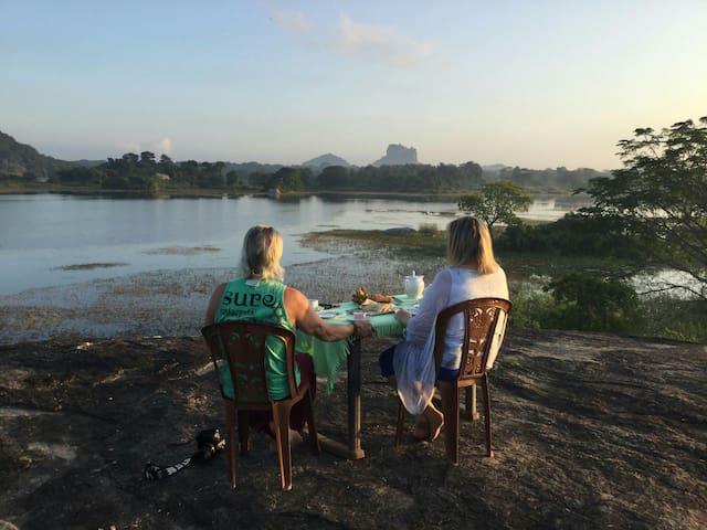 Sigiri Lake Paradise Family Room -Bed & Brekfast