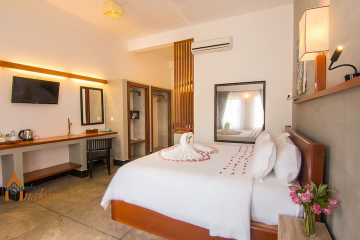 Superior Double Bed/Free Pick up @ Ombra Angkor - Krong Siem Reap - Bed & Breakfast