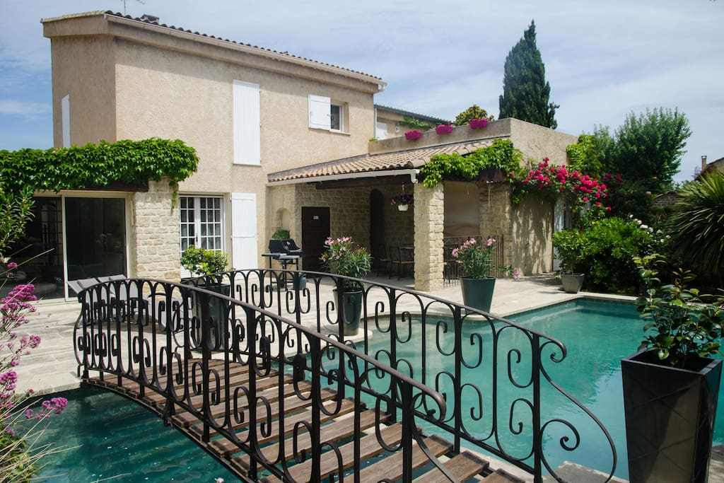 Appartement villa avec piscine 3 g tes louer for Piscine le pontet