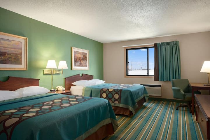 Sky-Palace Inn & Suites New Richmond - 2 Queen Bed Non-Smoking