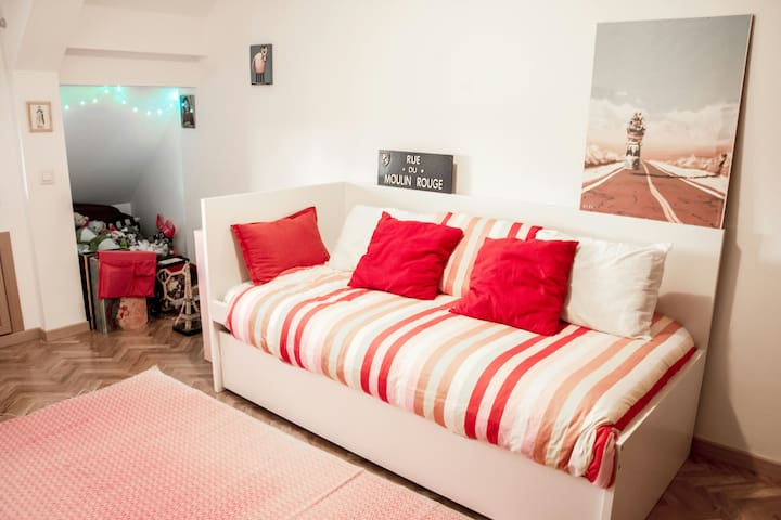 Peaceful room in Rozas Village - Las Rozas