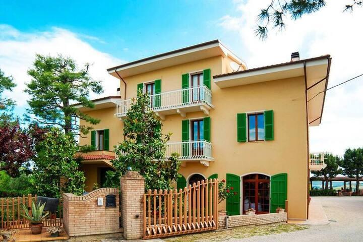 4 esrellas case en San Savino di Ripatransone