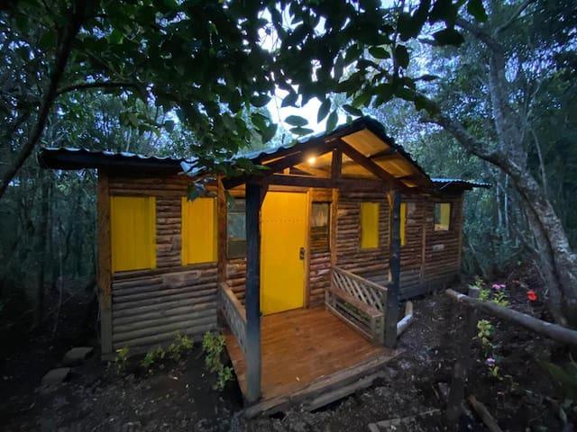 Cabaña en el bosque para estrenar/New built cabin