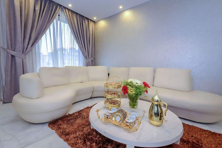 Arabella Residence (Luxury 3 bedroom Apartment)