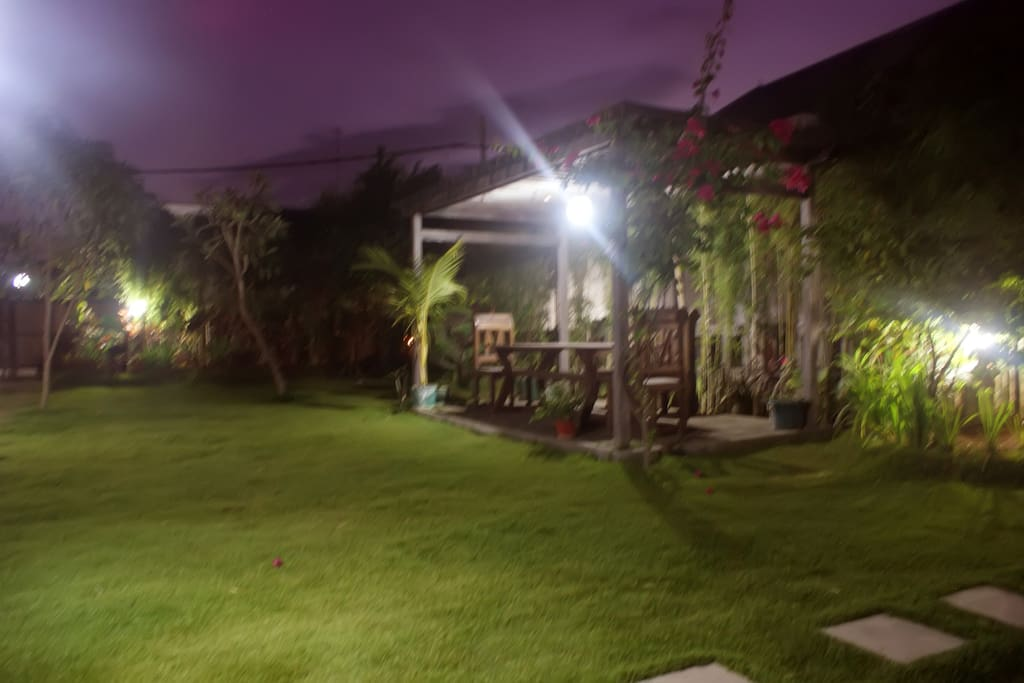 Large Garden and small Restaurant for in House guest only