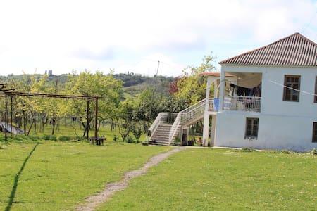 Дом за 420 руб в сутки - Akhali Atoni
